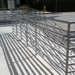 Fabricant de rampe d'aluminium à Québec et de limon en aluminium | Fibre de verre Plus